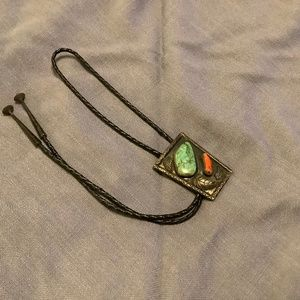 VINTAGE MP CORAL & TURQUOISE BOLO TIE